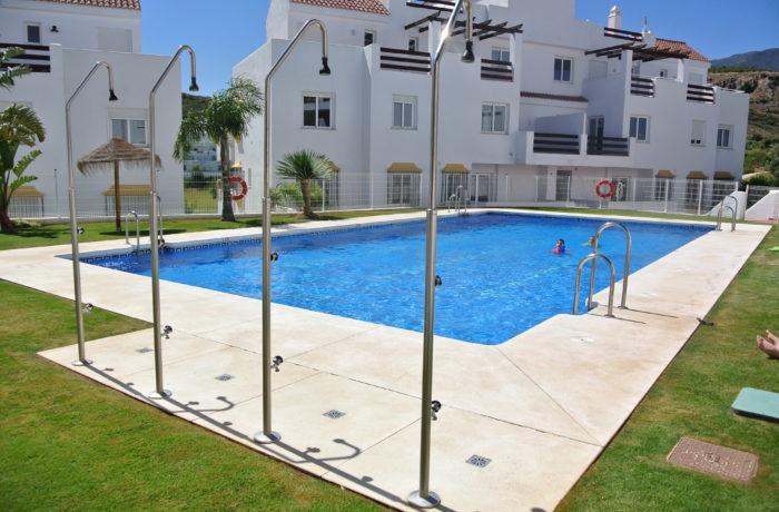 Součástí komplexu jsou 2 bazény